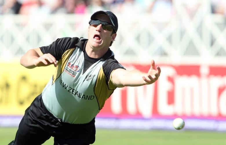 New Zealand's Neil Broom attempts a catch Mandatory Credit: Action Images / Andrew Boyers