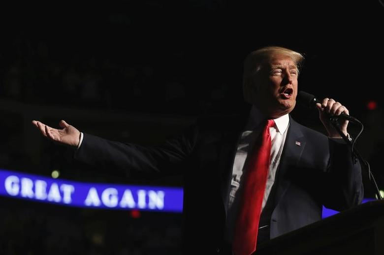 U.S. President-elect Donald Trump speaks during a USA Thank You Tour event at Giant Center in Hershey, Pennsylvania, U.S., December 15, 2016. REUTERS/Lucas Jackson
