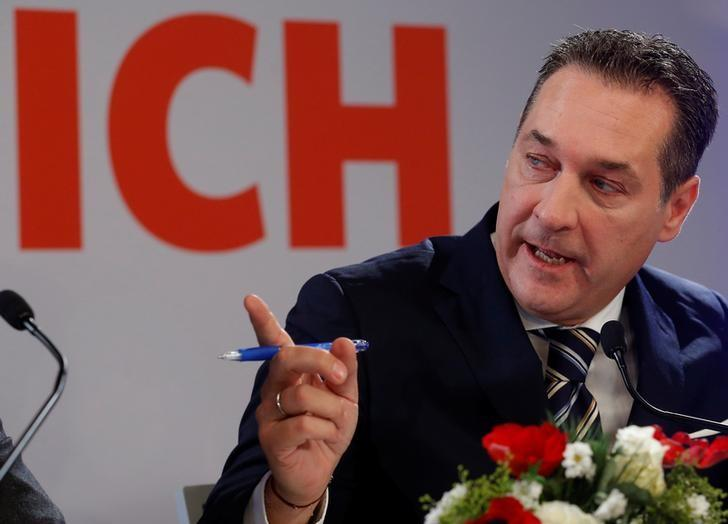 Head of Austria's far right Freedom Party (FPOe) Heinz-Christian Strache addresses the media in Vienna, Austria, December 6, 2016. REUTERS/Heinz-Peter Bader