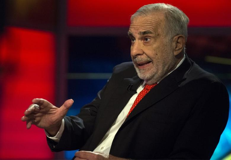 Billionaire activist-investor Carl Icahn gives an interview on FOX Business Network's Neil Cavuto show in New York, U.S. on February 11, 2014.  REUTERS/Brendan McDermid/File Photo - RTX2QRIY