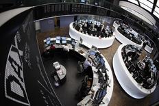 Les Bourses européennes restent en très légère hausse mardi à la mi-séance. Vers 11h35 GMT, le CAC 40 prend 0,34%, le Dax avance de 0,07% et le FTSE progresse de 0,08%. /Photo d'archives/REUTERS/Alex Domanski