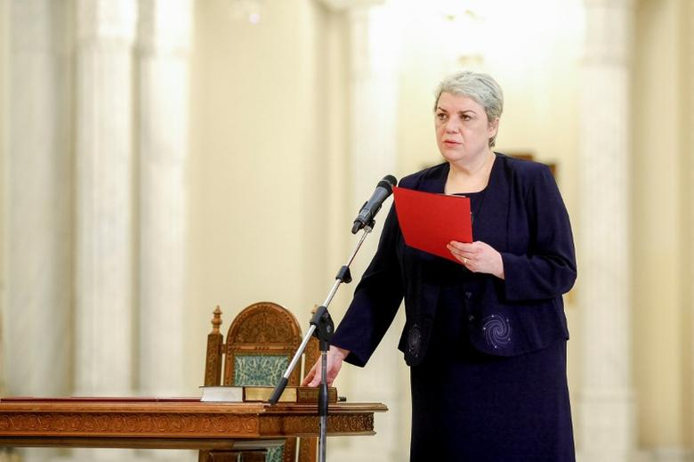 Sevil Shhaideh is sworn in for the position of minister for regional administration and public administration, in Bucharest, Romania, May 20, 2015. Picture taken May 20, 2015. Inquam Photos/Ovidiu Micsik/via REUTERS ATTENTION EDITORS - THIS IMAGE WAS PROVIDED BY A THIRD PARTY. EDITORIAL USE ONLY. ROMANIA OUT. NO COMMERCIAL OR EDITORIAL SALES IN ROMANIA.