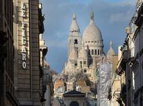 Le groupe de médias Le Figaro a été désigné par le tribunal de commerce de Paris pour reprendre le réseau social professionnel Viadeo, placé en redressement judiciaire fin novembre. /Photo d'archives/REUTERS/Mal Langsdon