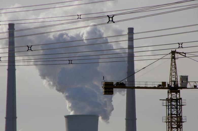 A coal fired power plant is pictured near a construction site in Beijing, China, December 9, 2016. REUTERS/Jason Lee/File Photo