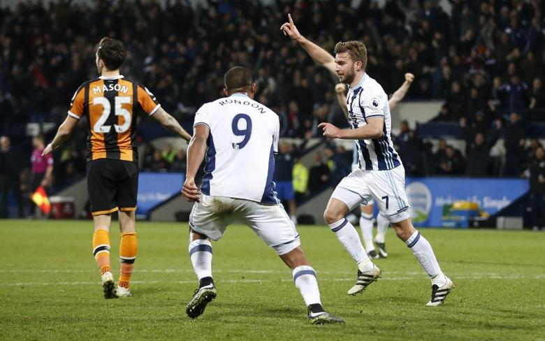 Britain Football Soccer - West Bromwich Albion v Hull City - Premier League - The Hawthorns - 2/1/17 West Bromwich Albion's James Morrison celebrates scoring their third goal Action Images via Reuters / Matthew Childs Livepic