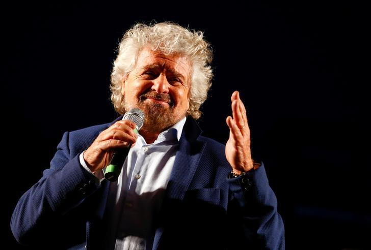 Beppe Grillo, the founder of the anti-establishment 5-Star Movement, talks during a march in support of the 'No' vote in the upcoming constitutional reform referendum in Rome, Italy November 26, 2016. REUTERS/Remo Casilli/Files