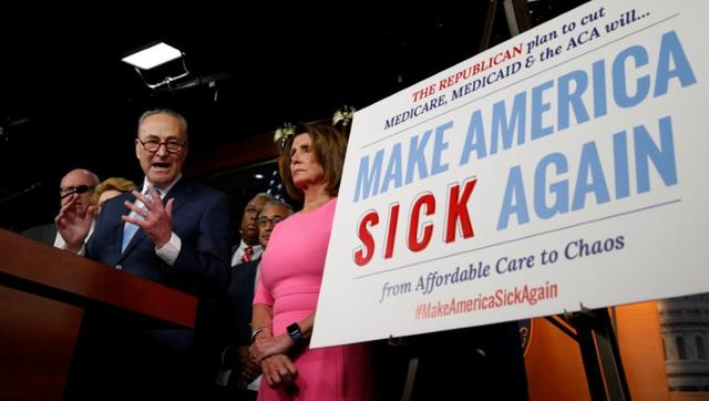 Senate Democratic Leader Chuck Schumer and House Democratic Leader Nancy Pelosi speak following a meeting with U.S.President Barack Obama on congressional Republicans' effort to repeal the Affordable Care Act on Capitol Hill in Washington, U.S., January 4, 2017. REUTERS/Kevin Lamarque