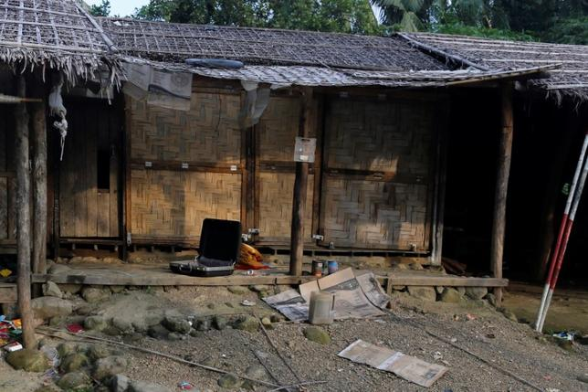 A Rohingya abandoned house is seen at U Shey Kya village outside Maungdaw, in Rakhine state, Myanmar October 26, 2016. REUTERS/Soe Zeya Tun