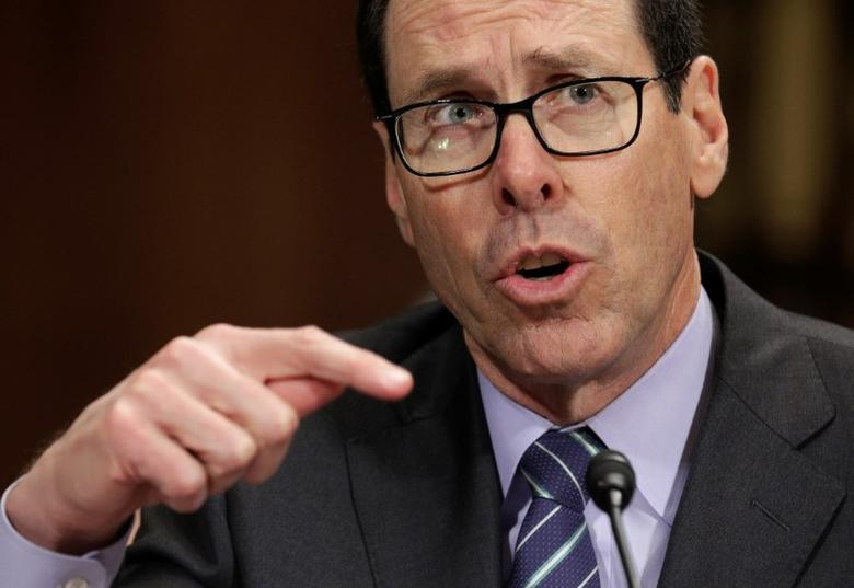 Chief Executive Officer of AT&T Randall Stephenson testifies before the Senate Judiciary Committee Antitrust Subcommittee during a hearing on the proposed deal between AT&T and Time Warner in Washington, U.S., December 7, 2016.  REUTERS/Joshua Roberts