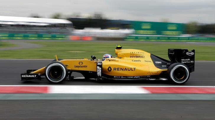 Formula One - F1 - Mexican F1 Grand Prix - Mexico City, Mexico - 28/10/16 - Renault's Jolyon Palmer of Britain during the first practice session. REUTERS/Henry Romero