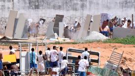 Presos de facções rivais durante rebelião no presídio de Alcaçuz, na grande Natal. 17/01/2017 REUTERS/Josemar Gonçalves