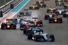 La Fédération internationale de l'automobile (FIA) a donné son feu vert mercredi à la vente par CVC Capital Partners de la Formule 1 à Liberty Media. /Photo prise le 27 novembre 2016/REUTERS/Ahmed Jadallah