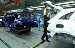 Imagen de una planta de producción de vehículos de Mercedes-Benz en Bremen, Alemania. Enero, 2017. REUTERS/Fabian Bimmer