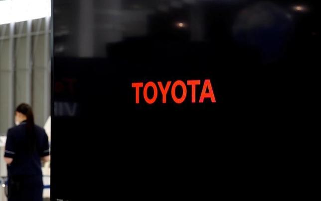 1月31日、トヨタ自動車は、オーストラリアの自動車製造部門を今年10月に閉鎖すると発表した。8月から段階的に自動車の生産を停止する。写真は同東京ショールームで昨年6月撮影(2017年 ロイター/Toru Hanai)