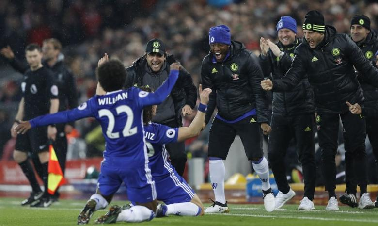 Britain Football Soccer - Liverpool v Chelsea - Premier League - Anfield - 31/1/17 Chelsea's David Luiz celebrates scoring their first goal with manager Antonio Conte  Action Images via Reuters / Carl Recine Livepic