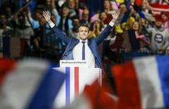 El candidato centrista a la presidencia de Francia Emmanuel Macron durante un mitin en Lyon, Francia. 4 febrero 2017. Macron invitó el sábado a los científicos, académicos y empresarios estadounidenses molestos con el Gobierno de Donald Trump a que se trasladen a Francia. REUTERS/Robert Pratta