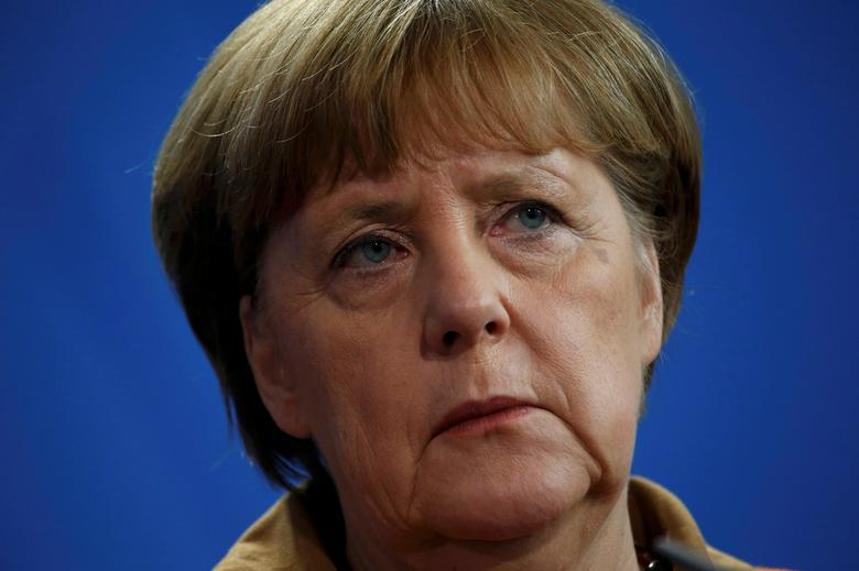FILE PHOTO: German Chancellor Angela Merkel addresses the media at the Chancellery in Berlin, Germany, January 18, 2017.     REUTERS/Fabrizio Bensch/File Photo