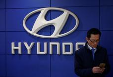 The logo of Hyundai Motor is seen at its dealership in Seoul, South Korea, December 15, 2016.  REUTERS/Kim Hong-Ji