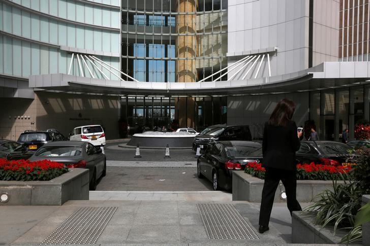 An entrance to Four Seasons Hotel in Hong Kong February 1, 2017, where Chinese billionaire Xiao Jianhua was last seen on January 27.  REUTERS/Bobby Yip