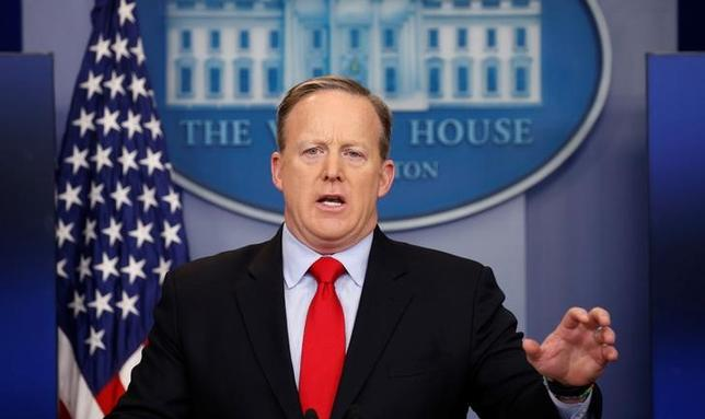 White House spokesman Sean Spicer holds a press briefing at the White House in Washington, U.S., February 3, 2017. REUTERS/Kevin Lamarque