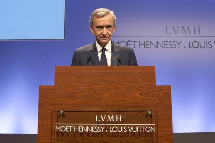 LVMH luxury group Chief Executive Bernard Arnault announces their 2014 results in Paris February 3, 2015.  REUTERS/Charles Platiau