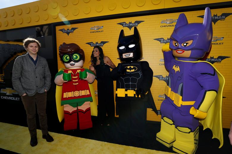 Cast members Michael Cera and Rosario Dawson pose with Lego characters at the premiere of the movie ''The LEGO Batman Movie'' in Los Angeles, California, U.S., February 4, 2017.   REUTERS/Mario Anzuoni