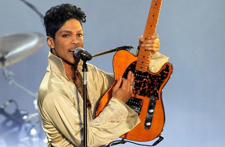U.S. musician Prince performs for the first time in Britain since 2007 at the Hop Farm Festival near Paddock Wood, southern England on July 3, 2011. REUTERS/Olivia Harris/Files