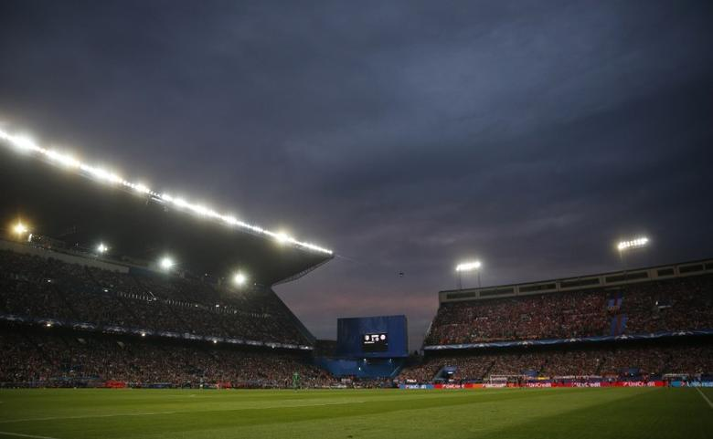 Football Soccer - Atletico Madrid v Bayern Munich - UEFA Champions League Semi Final First Leg - Vicente Calderon Stadium - 27/4/16General view of the actionReuters / Juan Medina