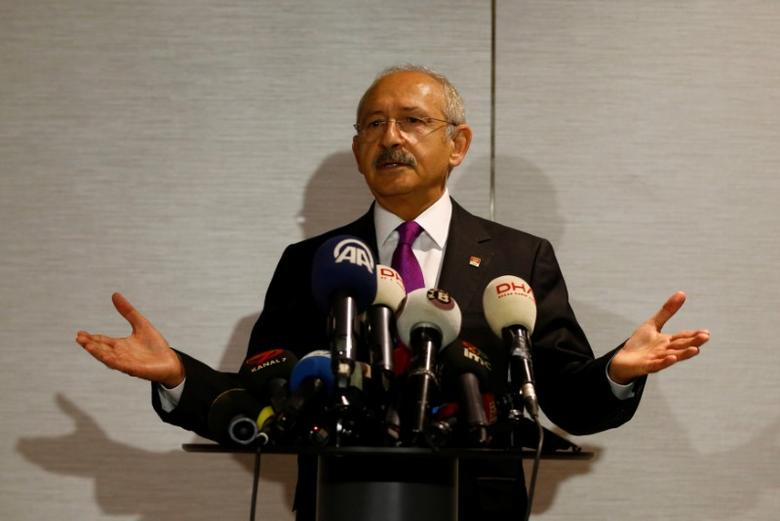 Republican People's Party (CHP) leader Kemal Kilicdaroglu speaks to the media after his meeting in Istanbul, Turkey, September 30, 2016.  REUTERS/Osman Orsal