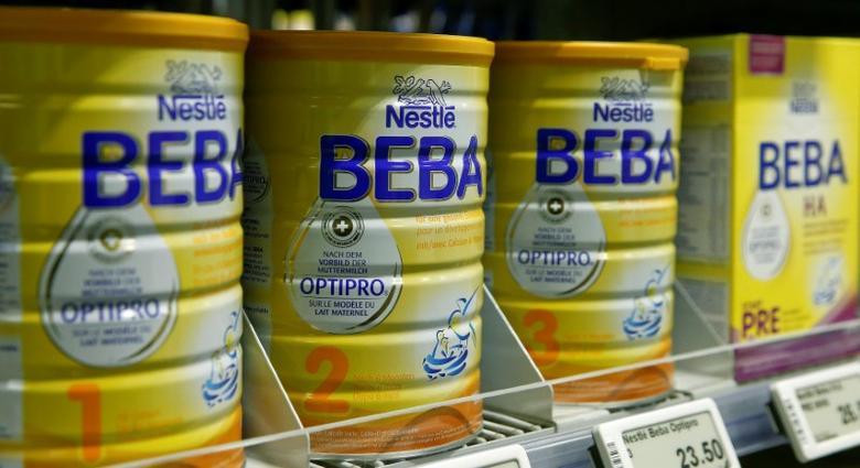 Beba baby food of Swiss company Nestle is offered at a supermarket of Swiss retail group Coop in Zumikon, Switzerland December 13, 2016.  REUTERS/Arnd Wiegmann - RTSXB1K