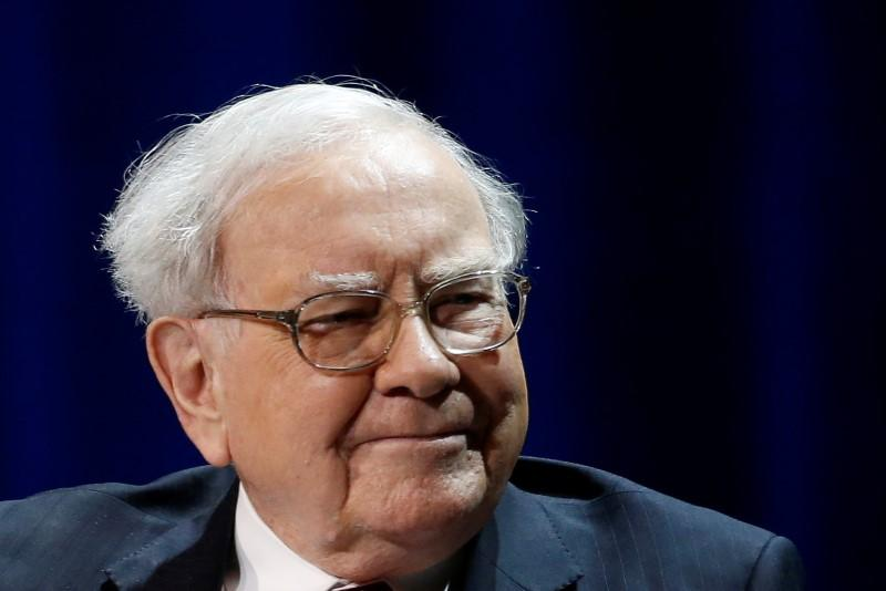 Buffett expected to tout passive investing in Berkshire annual letter