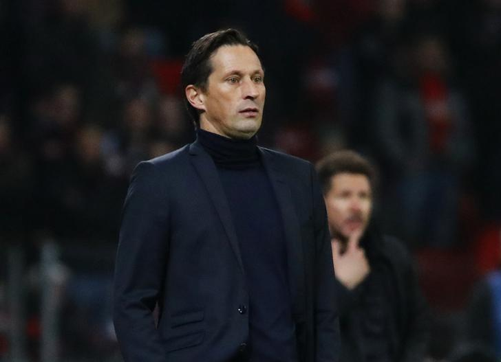 Football Soccer - Bayer Leverkusen v Atletico Madrid - UEFA Champions League Round of 16 First Leg - BayArena, Leverkusen, Germany - 21/2/17 Bayer Leverkusen coach Roger Schmidt and Atletico Madrid coach Diego Simeone Reuters / Wolfgang Rattay Livepic/Files