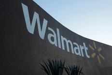 Una vista general a una tienda Wal-Mart en Monterrey, México. 10 de agosto 2016. Wal-Mart Stores Inc logró que se ponga fin a una demanda en Estados Unidos en que se acusaba a la minorista más grande del mundo de defraudar a accionistas de su unidad Wal-Mart de México (Walmex), por supuestamente esconder supuestos sobornos a funcionarios públicos. REUTERS/Daniel Becerril