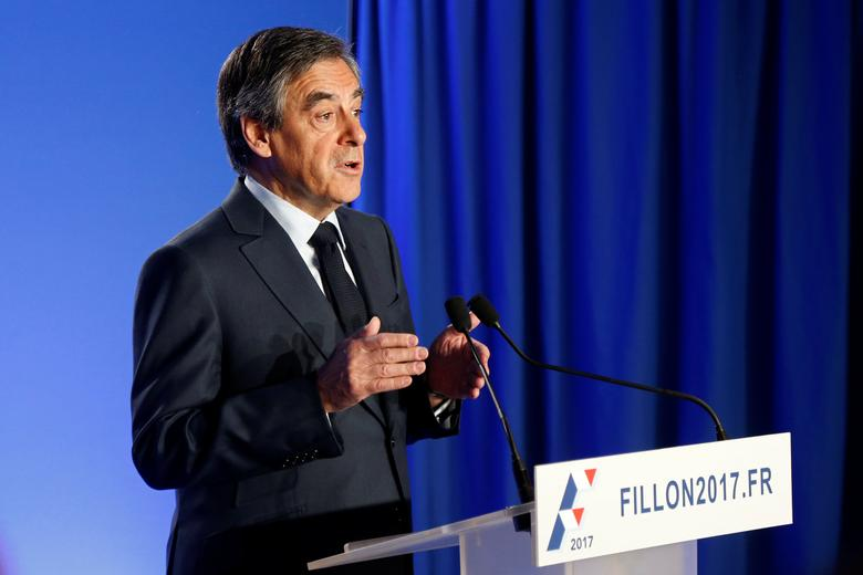 Francois Fillon, former French prime minister, member of the Republicans political party and 2017 presidential election candidate of the French centre-right, makes a declaration to the media at his campaign headquarters in Paris, France, March 1, 2017.  REUTERS/Charles Platiau