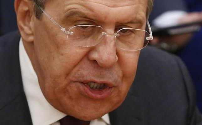 3月3日、ロシアのラブロフ外相(写真)は、ロシア大使とトランプ米政権のメンバーとの接触を巡る米国の政治スキャンダルについて、「魔女狩り」のようだと評した。モスクワで1月撮影(2017年 ロイター/Sergei Karpukhin)