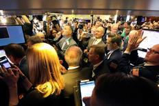 Les marchés américains évoluent sans tendance en début de séance vendredi. Quelques minutes après le début des échanges, l'indice Dow Jones gagne 24,62 points, soit 0,12%. /Photo prise le 2 mars 2017/REUTERS/Brendan McDermid
