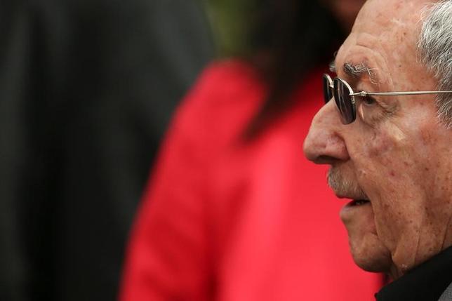 3月5日、キューバのラウル・カストロ国家評議会議長は、ベネズエラで行われた左派指導者のサミットで演説し、トランプ米大統領の移民や貿易などの政策を非難した。国営テレビが演説を放映した(2017年 ロイター/Carlos Garcia)