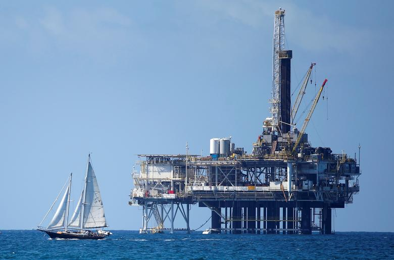 FILE PHOTO: An offshore oil platform is seen in Huntington Beach, California September 28, 2014.   REUTERS/Lucy Nicholso/File Photo