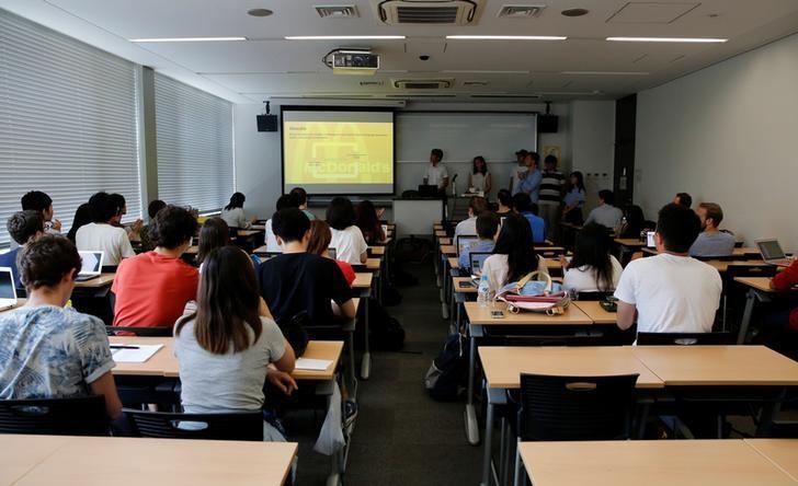 Students attend a class at the Keio University in Tokyo, Japan July 12, 2016.  REUTERS/Toru Hanai/File Photo