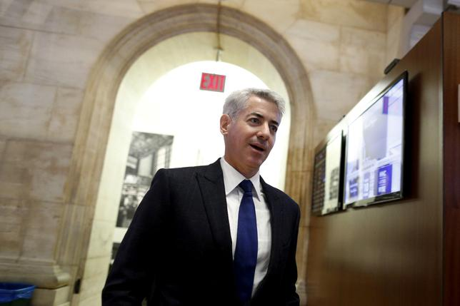William Ackman, chief executive of Pershing Square walks on the floor of the New York Stock Exchange, New York, U.S. on November 10, 2015. REUTERS/Brendan McDermid/File Photo