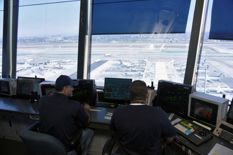 White House proposes to privatize air traffic control