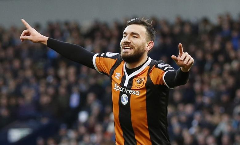 Britain Football Soccer - West Bromwich Albion v Hull City - Premier League - The Hawthorns - 2/1/17 Hull City's Robert Snodgrass celebrates scoring their first goal  Action Images via Reuters / Matthew Childs Livepic/File Photo