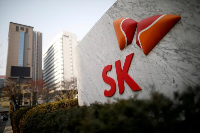 FILE PHOTO: The logo of SK Innovation is seen in front of its headquarters in Seoul, South Korea, February 3, 2017.  REUTERS/Kim Hong-Ji/File Photo