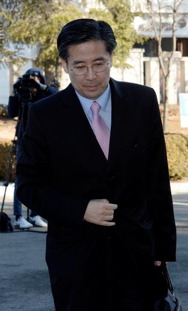 Sohn Bum-kyu arrives at the Constitutional Court in Seoul, South Korea, February 14, 2017. Picture taken February 14, 2017.   Ahn Eun-na/News1 via REUTERS