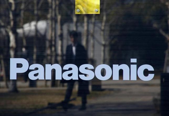 3月21日、パナソニックは、スペインの自動車部品大手フィコサ・インターナショナルへの出資比率を49%から69%に引き上げ、連結子会社化すると発表した。写真は都内で2月撮影(2017年 ロイター/Kim Kyung Hoon)