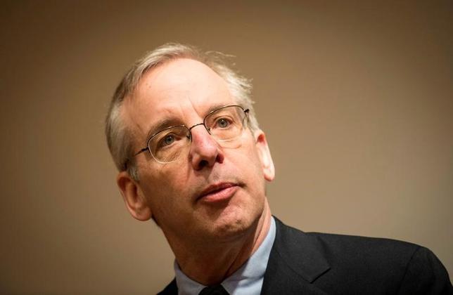 3月21日、ニューヨーク連銀のダドリー総裁(写真)は米金融大手ウェルズ・ファーゴ(Wファーゴ)の口座不正開設問題について、金融業界に存在する、業績に基づく報酬体系が引き続き問題との見方を示した。2014年3月撮影(2017年 ロイター/Keith Bedford)