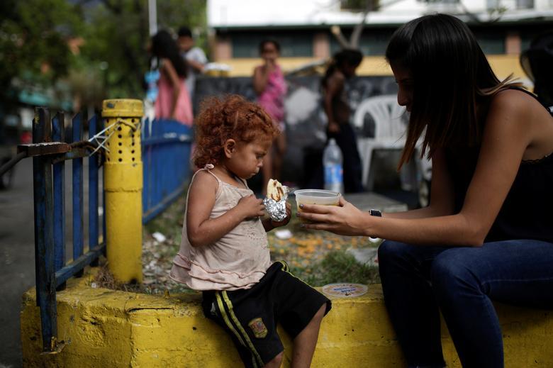 Volunteers Feed Venezuela S Poor Reuters Com