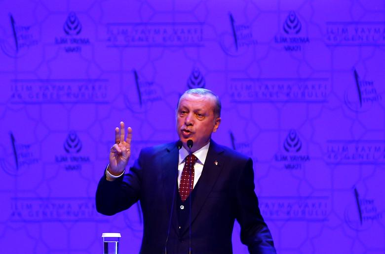 Turkish President Tayyip Erdogan makes a speech during a meeting in Istanbul, Turkey, March 19, 2017. REUTERS/Murad Sezer