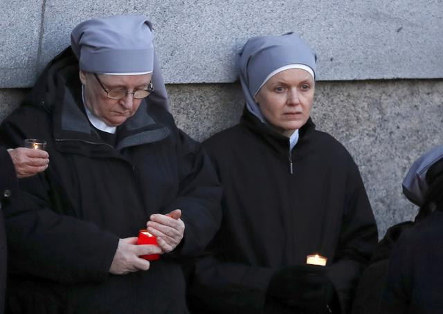 Nuns attend a vigil in Trafalgar Square the day after an attack, in London, Britain March 23, 2017.    REUTERS/Stefan Wermuth