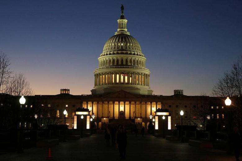 资料图片:2016年12月,美国国会大厦。REUTERS/Joshua Roberts